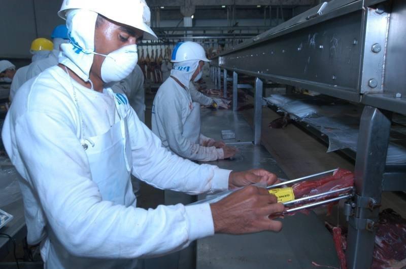Exportação de carne bovina patina até junho, mas deve somar US$6 bilhões no ano